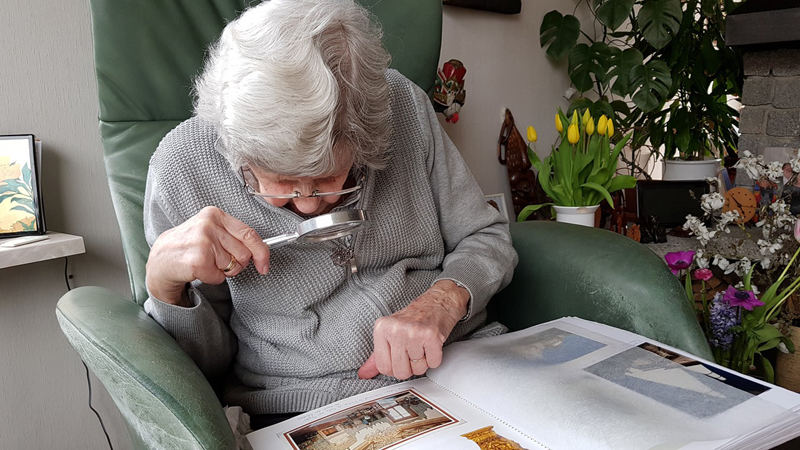 Best Cell Phone For Visually Impaired Seniors