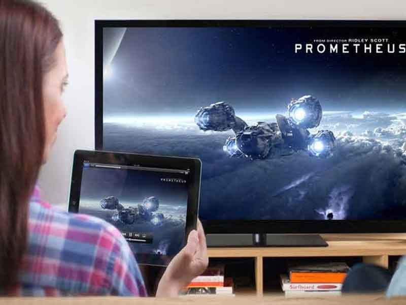 how to connect iphone to tv without wifi